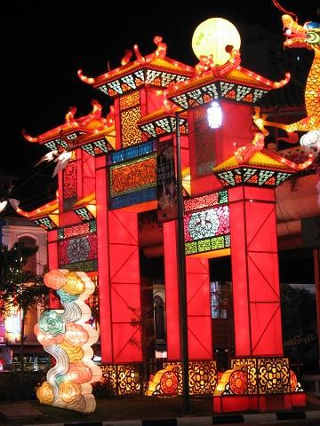 Mid-Autumn_Festival_19,_Chinatown,_Singapore,_Sep_06